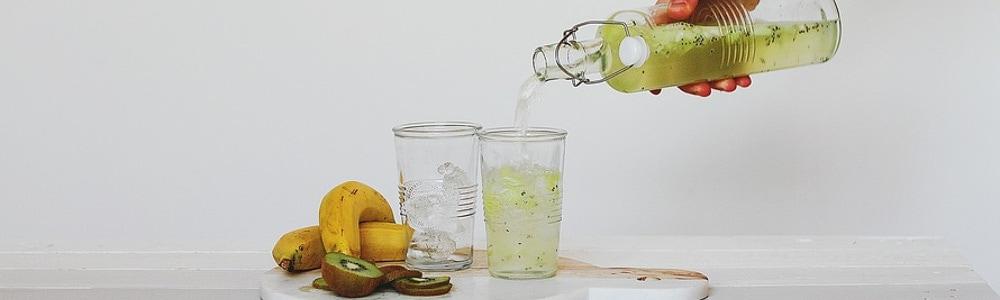 woda pitna z owocami